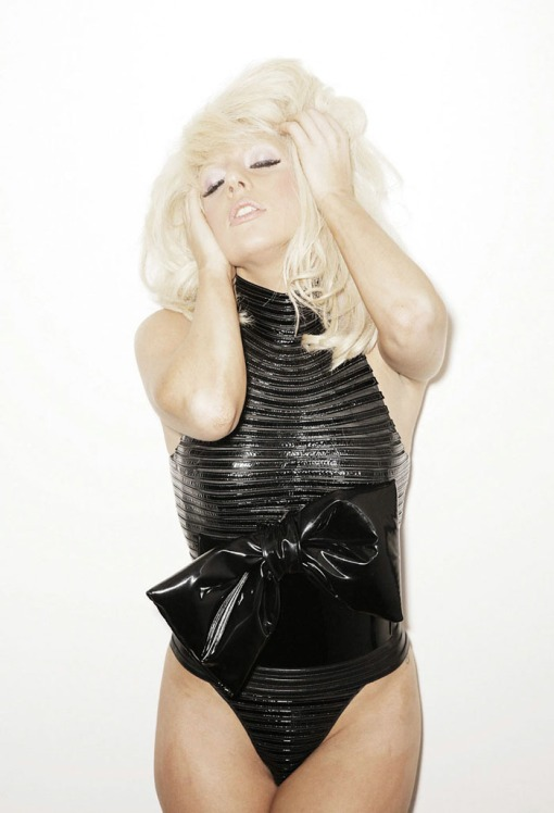 ?   ? (Lady Gaga) ?       ?     ?      (Francois Berthier)        ? FHM (2009),       ? 2