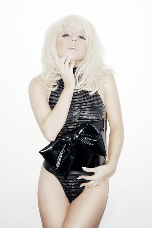 ?   ? (Lady Gaga) ?       ?     ?      (Francois Berthier)        ? FHM (2009),       ? 4