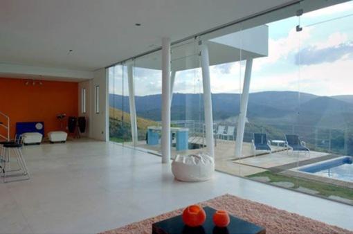modern mountain house interior design