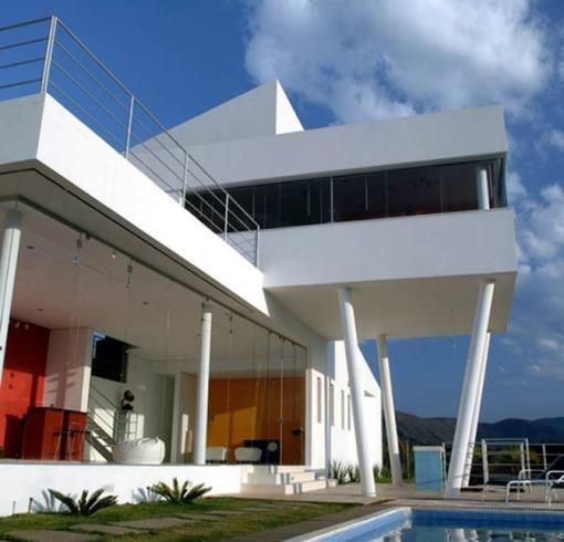 ultra modern mountain house design
