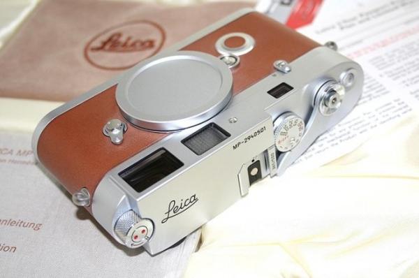 ?????????? ?????? Leica M7 ? ??????? ??????? ?? Hermes